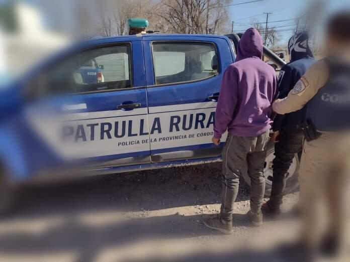 policia malagueno robo - Detuvieron a personas que robaban en Malagueño