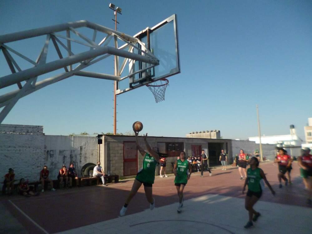 Basquet 10 - Parque Infantil de Alta Gracia se quedó con el cuadrangular de básquet femenino