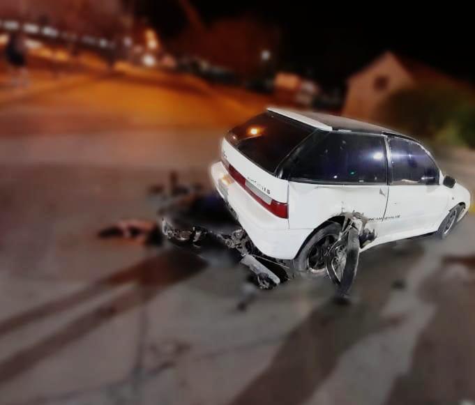 accidente bolivia y alfonsin - Un motociclista herido tras chocar contra un auto