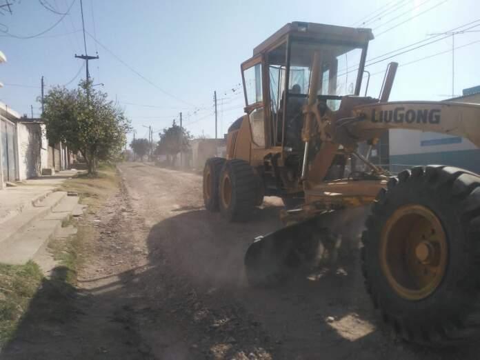 arreglo de calles - El municipio arregla calles de tierra y limpieza de desagües
