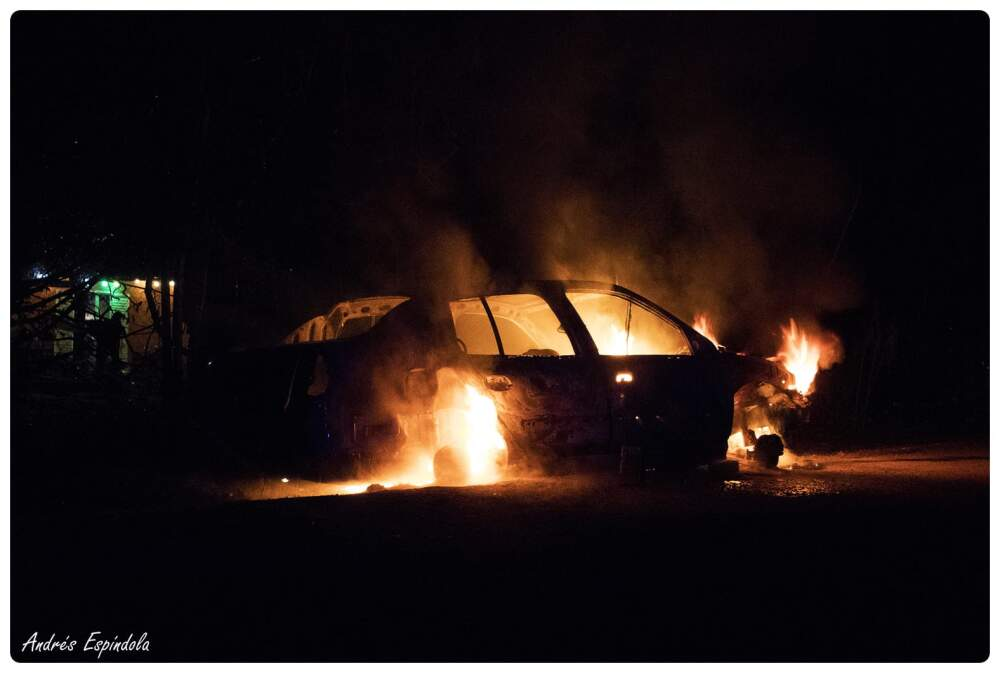 auto incendiado los aromos 1 - Estacionó su auto y apareció incendiado a 200 metros