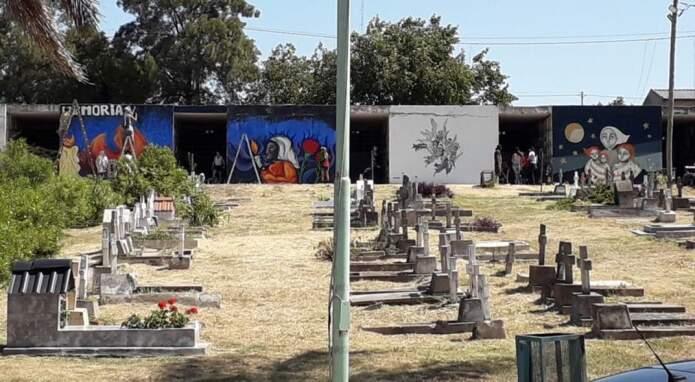 cementerio san vicente - Roban placas, floreros y cables en cementerio San Vicente