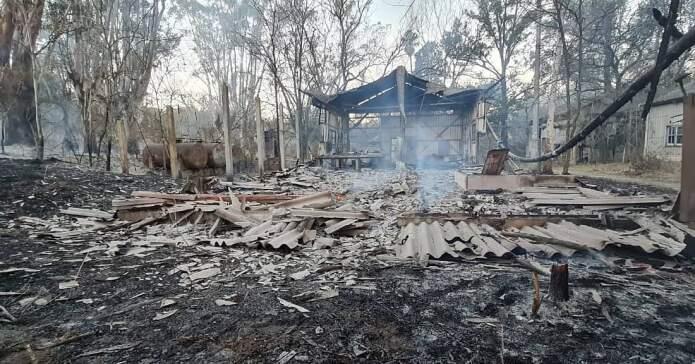 incendio refugio libertad - Denuncian incendio intencional en el Refugio Libertad
