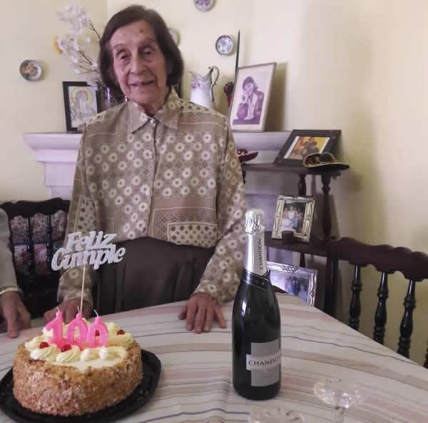 mabel 1 A - Que no te parezca poco: Mabel cumplió 100 años