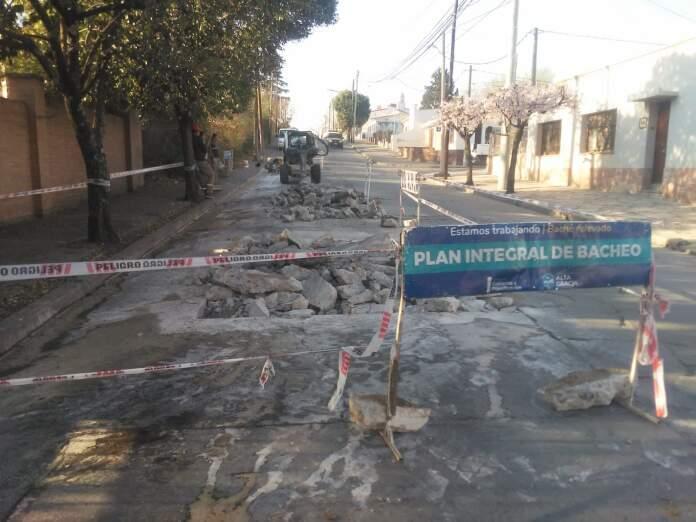 reparacion calles alta gracia - Continúa el plan de reparación de calles de Alta Gracia
