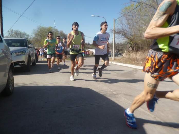 Maraton 3 - Masiva concurrencia de participantes en la 3ª edición de la Maratón de Barrio Liniers