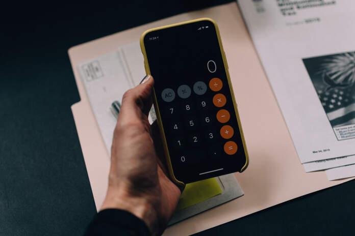 calculadora - Consejos realmente útiles para cuidar las finanzas siendo inquilino