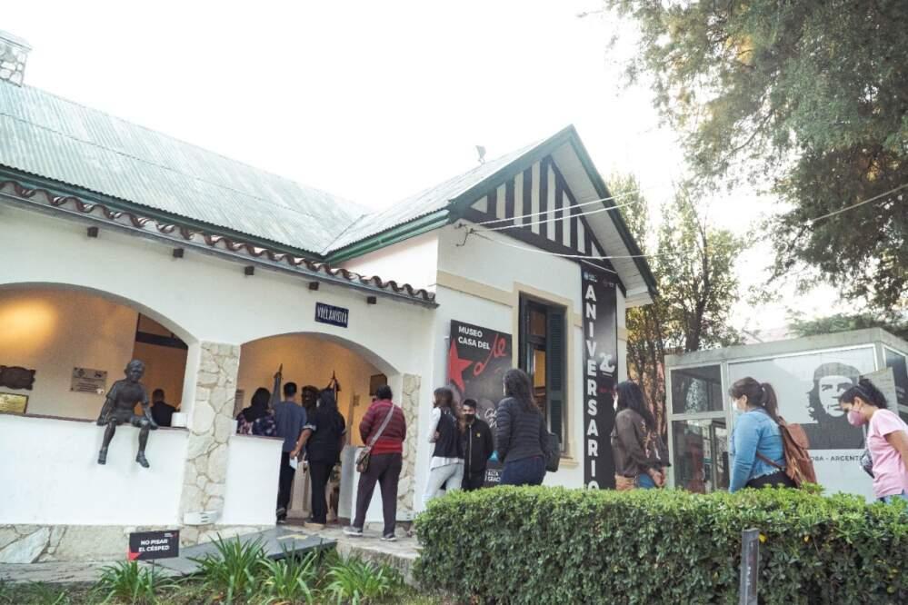 museo che turismo - Un recorrido turístico por museos y el cementerio de la ciudad