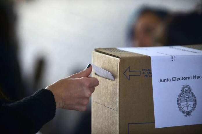 urna voto - Salud: recomendaciones sanitarias para las próximas elecciones